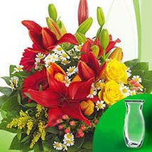 Flower Bouquet Symphonie with vase: Friendship Day Gifts to Germany