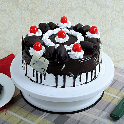 Black Forest Gateau 1kg Eggless