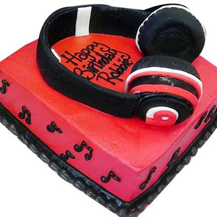 Headphone Shape Cake 2kg Eggless