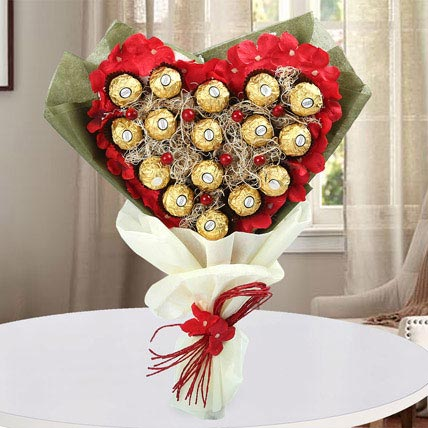 My Heart Rocher Bouquet