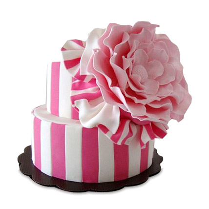 Pink Flowery Cake 5kg Eggless