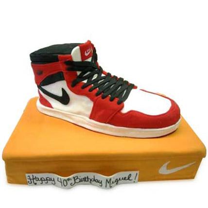 Speedy Nike Shoe Cake 4kg