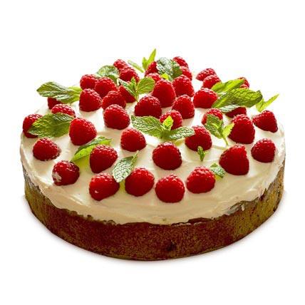 Strawberries Cake 3kg Eggless