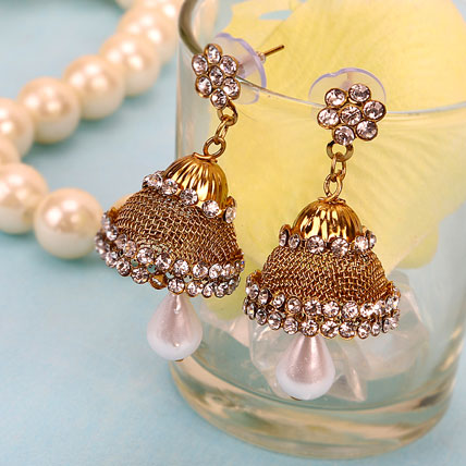 Stylish Golden Jhumkas