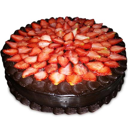 Yummilicious Strawberry Delight Cake Half kg Eggless
