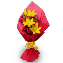 Beautiful Bouquet: Send Holi Gifts to Mumbai