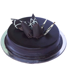 Chocolate Truffle Royale Cake: Send Valentine Cakes to Ahmedabad