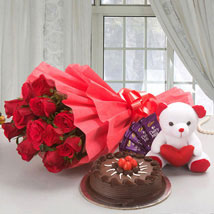 Flower Cake Hamper:  Cake Delivery in Raipur