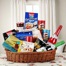 Hearty Sweet and Savory Basket: Send New Year Gift Hampers