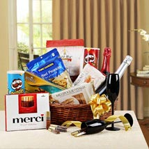 Holiday Gala Gift Basket: Send Boss Day Gift Hampers