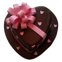 Love Flower Cake: Send Heart Shaped Cakes to Kanpur