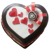 Love In Abundance Cake: Heart Shaped Cakes Ludhiana