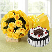 Perfect Combo To Gift: Send Anniversary Gifts to Faridabad