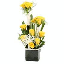 Rosy Mist: Send Valentine Roses to Bengaluru