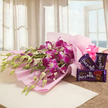 Sweet Delight: Christmas Send Flowers & Chocolates