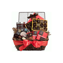 Chocolate Lovers Delight: Gift Baskets